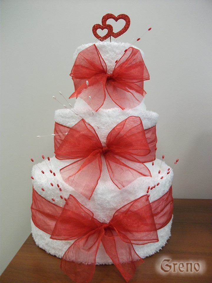 Torta z uterákov a osušiek Greno - praktický a krásny darček