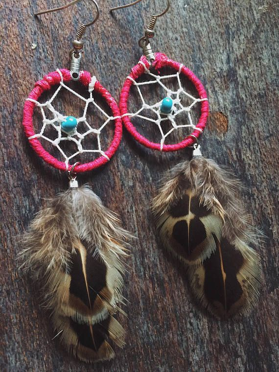 ⭐️⭐️Small Pink Boho Gypsy Tribal Festival Native Natural Brown Feathers Turquoise Glass Bead Unique Ooak Dreamcatcher Earrings⭐️⭐️ One of a kind feather earrings, I can gaurantee that there will never Be another pair like these! Each pair of earrings made by The Wandering