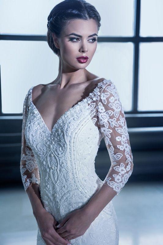 15220 в Красноярске, Платье в пол, Свадебное платье с рукавом, Свадебное платье с закрытым верхом, Пышное свадебное платье