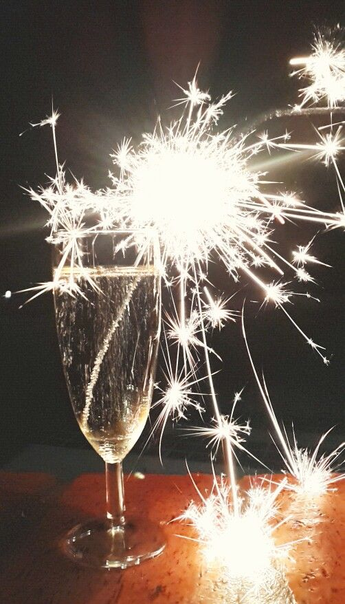 Happy New Year, everyone! #Celebrations #ChampagnePoppin #GoodTimes #BurntFingers #Samsung #S4 #Photography