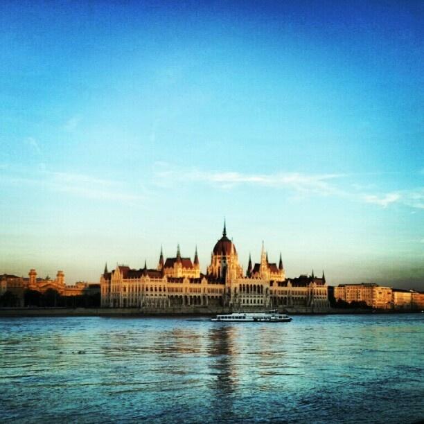 "@kelex_2x's photo: ""Budapest, Parlament ~ #Budapest. #budapest #parlament #hungary #Hungary #building #city #instagram"""