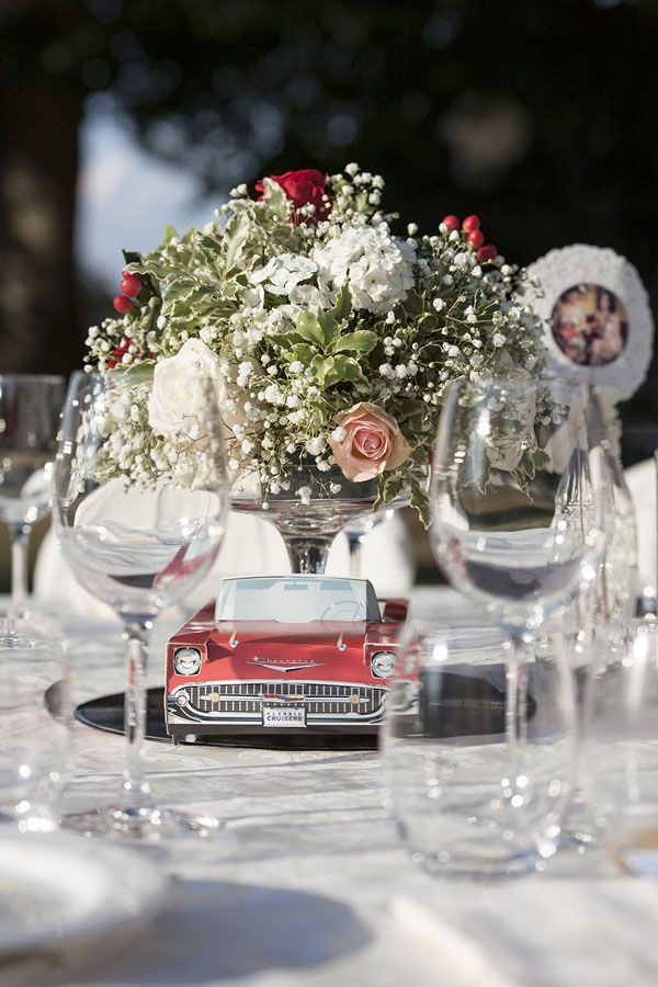 rockabilly centerpiece http://weddingwonderland.it/2015/11/un-matrimonio-rockabilly.html