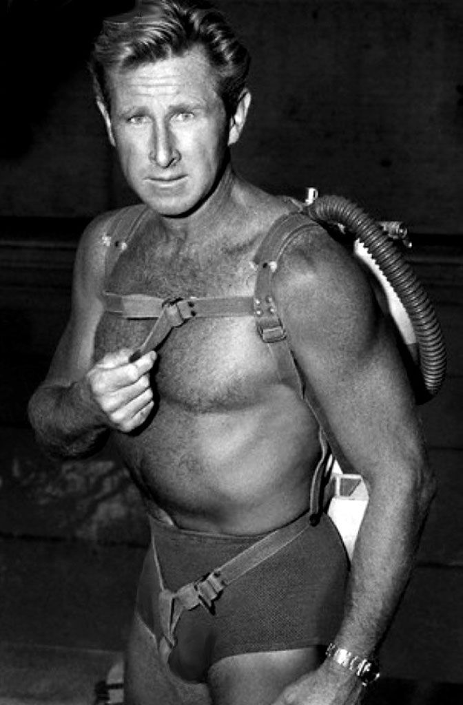 Google Image Result for http://4.bp.blogspot.com/_04kZGR_ltmE/TArRX20wOYI/AAAAAAAAHwU/UMGCMIDSILo/s1600/Lloyd-Bridges-SEA-HUNT-Rolex-Submariner.jpg