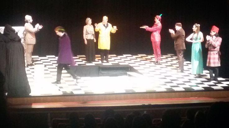 Visita a teatro. IV y V Bachillerato (19 de julio). «Ser o no ser he ahí el dilema...»  ¡Excelente obra de teatro! #escenarte
