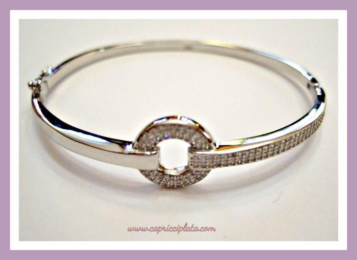 Brazalete de plata 925m con circonitas engastadas. #plata #joyas #fashion #moda #silver #novias #bodas #verano #2016 #shopping #rebajas #descuentos #tiendaonline www.capricciplata.com