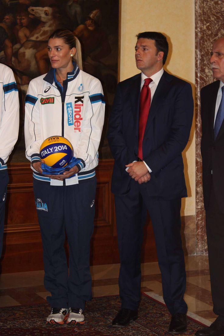 Il capitano Piccinini e Matteo Renzi