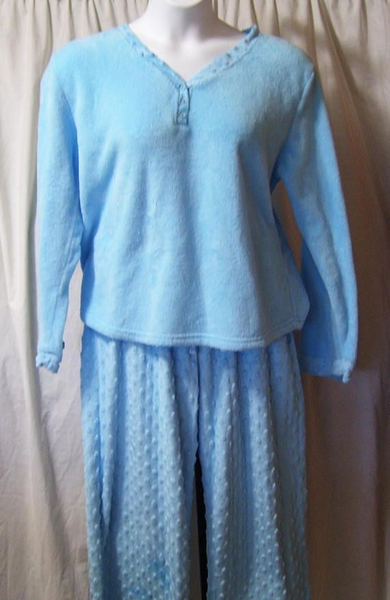 Blue Cuddle Soft And Warm Winter Pajama Set. Pull Over Top Elastic Waist  Bottoms Marked