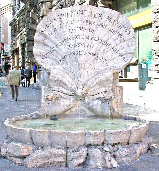 une fontaine dédiée aux Barberini, à 2 pas de la fontaine du Triton : la fontaine des abeilles. Elle est construite à partir des restes d'une ancienne fontaine de Bernini (Le Bernin), un coquillage monumental, sur lequel viennent se poser des abeilles (emblèmes héraldiques des Barberini). L'une d'elle s'abreuve dans l'eau de la vasque.