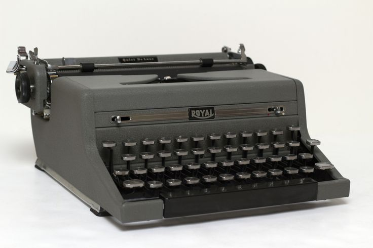 Refurbished Royal Quiet Deluxe Manual Typewriter - Gray
