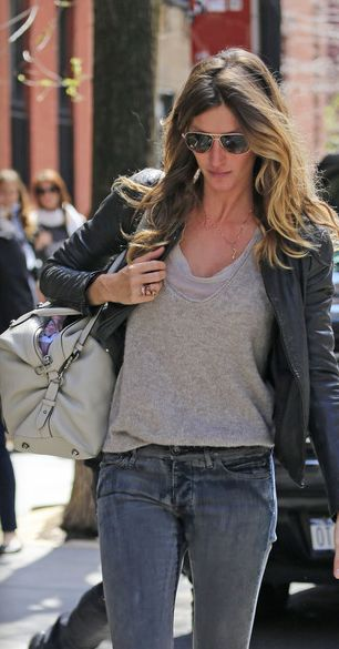 Gisele Bundchen | Leather Trends 2013