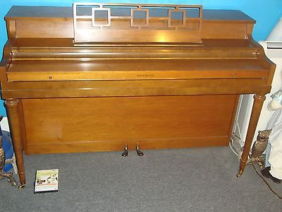 81895eed79b4c21b0148d06e644b129a spinet piano nelson the 25 best spinet piano ideas on pinterest piano decorating Antique Cable-Nelson Piano at pacquiaovsvargaslive.co