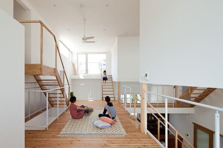 LT Josai  / Naruse Inokuma Architects