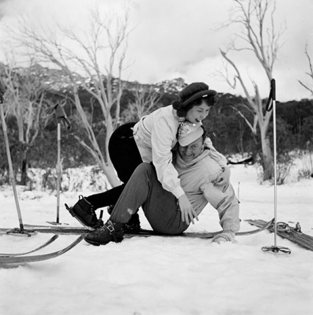 Preparing to ski at Mt Buffalo, Victorians on vacation image gallery, State Library of Victoria. Vic Railways photographer, 1945-56
