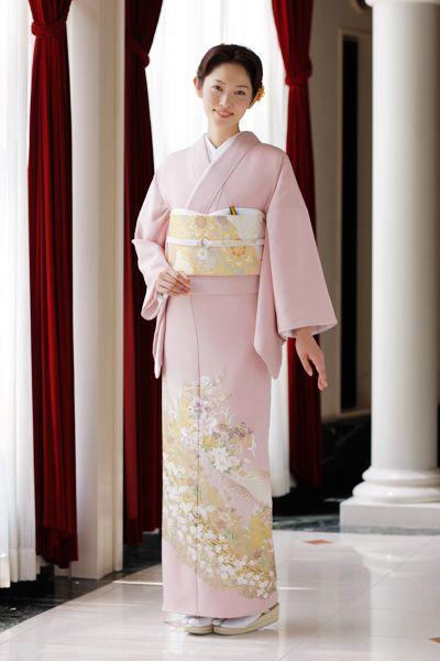 若いうちから着られそうなピンクの色留袖♡ 結婚式列席者用の着物のアイデアまとめ☆