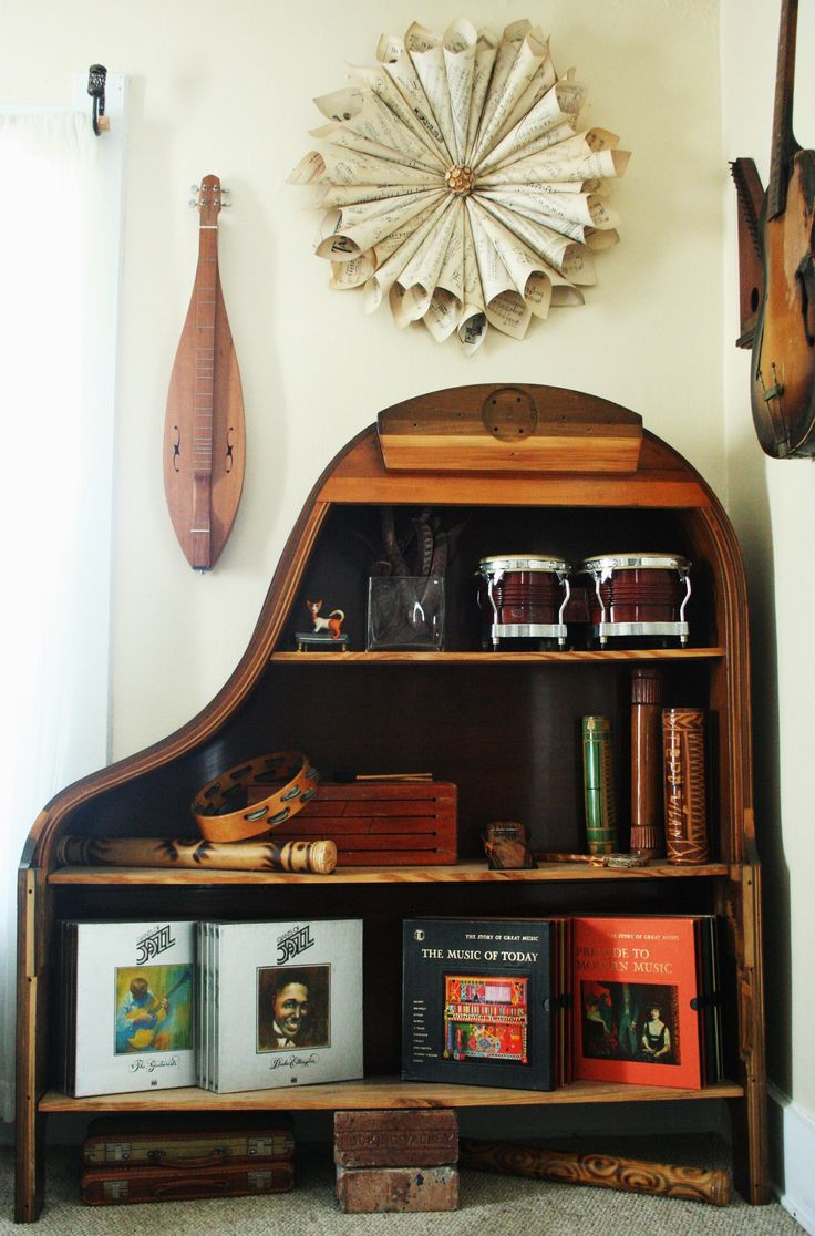 Old Baby Grand Piano Converted Into An Awesome Book Shelf! Perfect Decor  For A Music