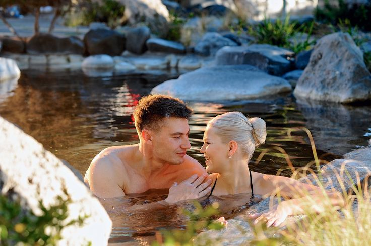 Deluxe Lake Spa - the perfect treat or honeymoon getaway!