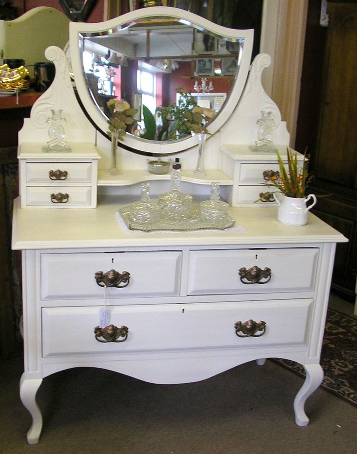 Antique Dressing Table With Round Mirror A vintage dressing table - 295 Best Vanities/Dressing Tables Images On Pinterest Vanity