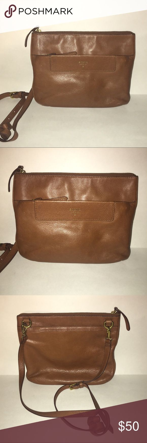 Fossil Brown Leather Crossbody Bag Fossil Brown Leather Crossbody Bag for sale.   Good condition.   Perfect small everyday Bag!   Great leather! Great brand! Fossil Bags Crossbody Bags