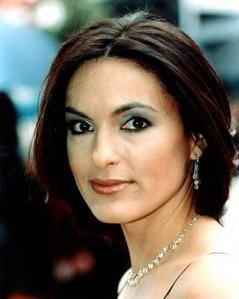 TV Shows On Pinterest All Weding Rings Mariska Hargitay Wedding Ring Flawless