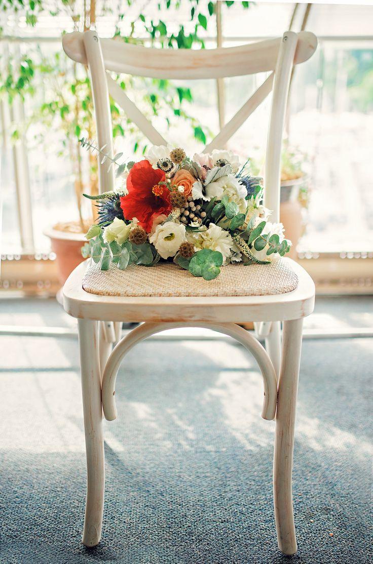 Wedding Florals   Toronto Wedding   Flowers on Chair   Melissa Avey Photography + Mint Floral Co #toronto #weddingflowers