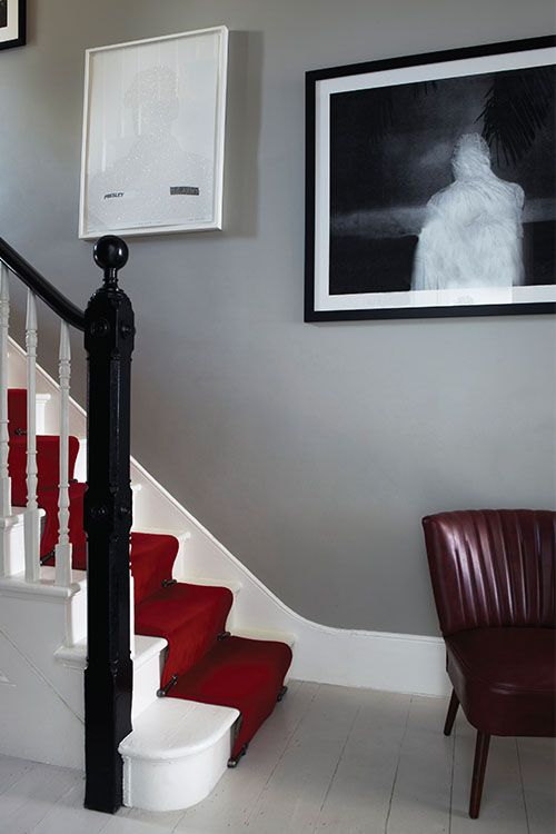 Farrow & Ball: Hallway in Hardwick White No.5, woodwork in Pointing No.2003 and floor in Cornforth White No.228 | Estate Emulsion, Estate Eggshell & Floor Paint - See more at: http://us.farrow-ball.com/hallway-inspiration/content/fcp-content#sthash.DdfXPb2M.dpuf