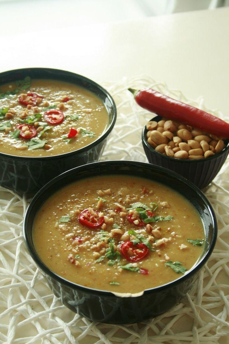 Zoete aardappel-pindasoep met vegan kipstuckjes | Early Dew