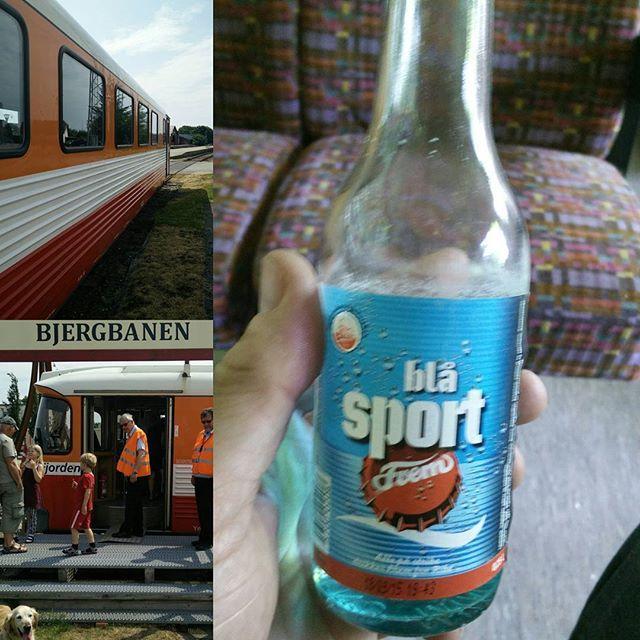 På Bjergbanen i Lemvig kan du få Blå sodavand. Det bringer minder frem. #morogfarpåtur #visitlemvig #visitdenmark