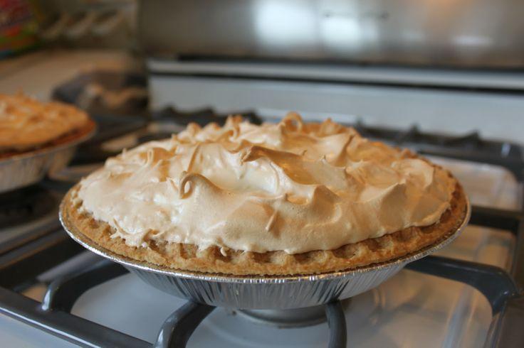 Easy Lemon Meringue Pie Recipe | pies | Pinterest