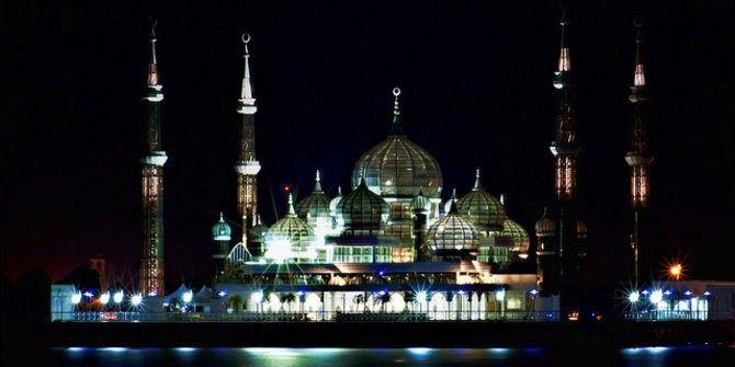 Gambar Masjid Yang Paling Indah Di Dunia 6 Masjid Terapung Paling Indah Di Dunia Indonesia Juga Punya 5 Masjid Terindah Beautiful Mosques Mosque Beautiful
