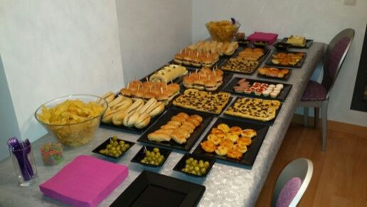 Después de una Boda íntima, invitó a sus amigos a una merienda cena en su casa, y nos hicimos cargo del catering!!
