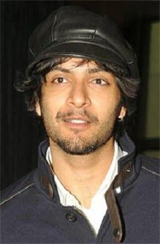 Ali Fazal is a Hindi film actor of Bollywood Cinema. He is most talented, good skills and smiling looks like film actor. Ali Fazal was born on 15-10-1986 in Lucknow, U.P, India. He is tall actor with a height 5ft 11 inches.