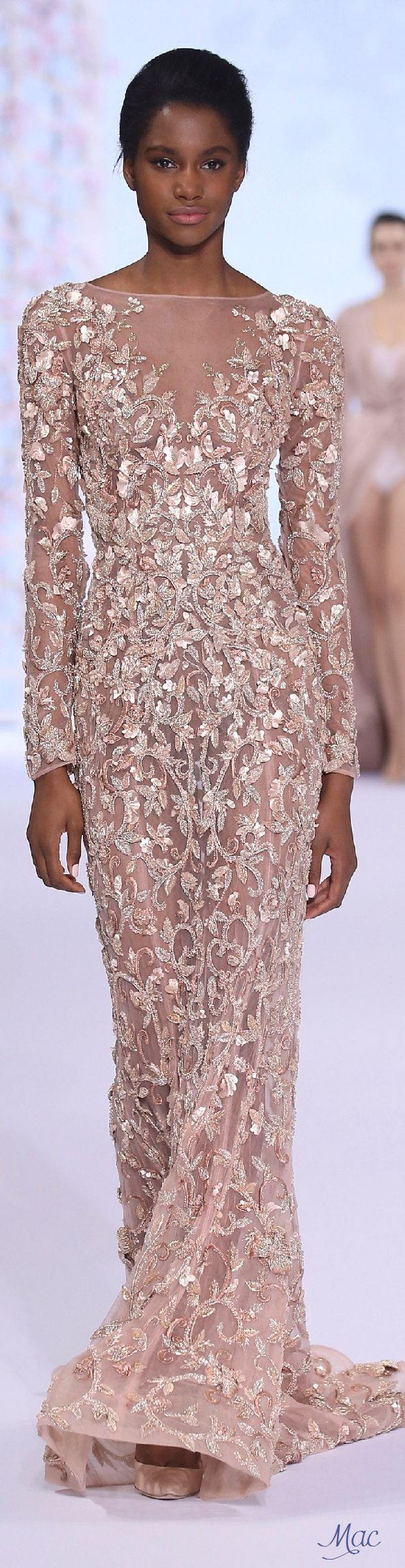 If I were going to a spring ball, this is what I'd wear. Spring 2016 Haute Couture Ralph & Russo