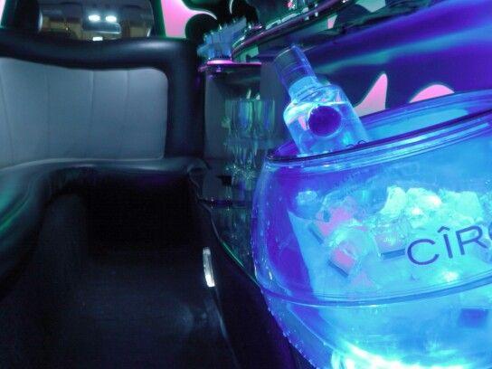 #vodka #ciroc #premiostvynovelad #limo #limosina #chrysler #redcarpet #luxury #bogota