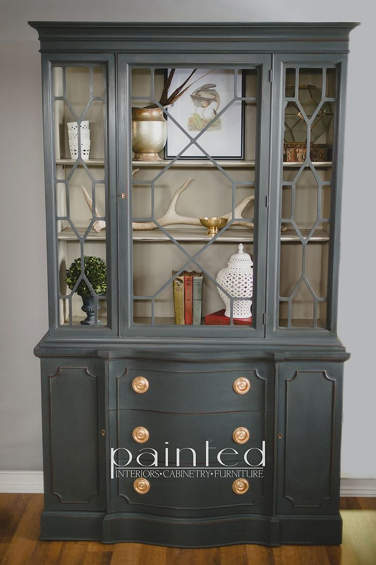 China cabinet painted in custom mix of Annie Sloan Graphite and French Linen and a mix of Old White and French Linen on the inside. Painted by Kayla Payne www.paintedbykayl...