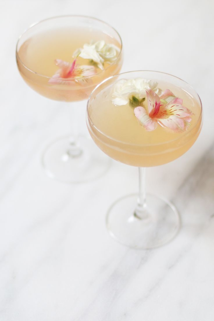 This Lillet Rose Spring cocktail is pink, pretty, and quick! Great for ...