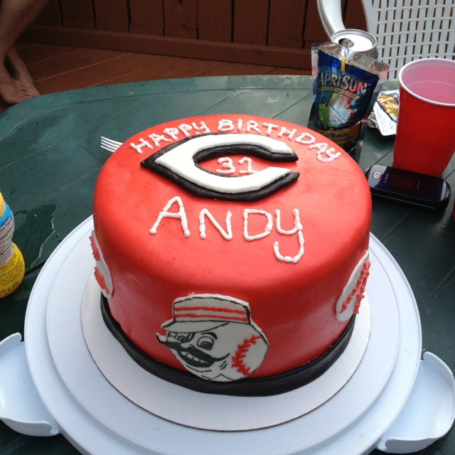 Cake Decorating Store Cincinnati : Cincinnati reds cake (mr redlegs too) red fondant one tier ...