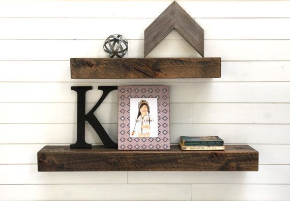 This Listing Is For A Set Of Two Shelves One 24 Inch Shelf And One 36 Inch Shelf These Beautiful Rustic Floating Shelves Are Handmade By Us Using Com Imagens Displays