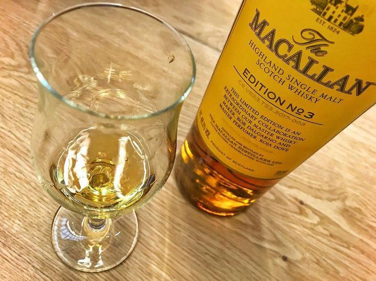 Whisky Show London Ağustos ve Eylül aylarında lansmanı yapılan viskileri tadabilmek için harika bir fırsat sunuyor The Macallan Edition No:3 de bu şişelerden biriydi. Parfümör Roja Dove ile birlikte yaratılan bu özel şişe ve Eylül ayında sunulan diğer yeni viskiler sitemdeki son yazımda link profilimde  Newly launched @the_macallan Edition No:3 was one of the bottles we had the chance to taste at @whiskyshow London