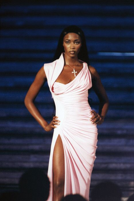 Rome, Italy - Donna Sotto Le Stelle - Piazza Spagna - Tribute Versace - Atelier Fall Winter 1997 1998 Collection - September 11, 1997 - Valeria Mazza - Naomi Campbell - Eva Herzigova - Esther Cañadas