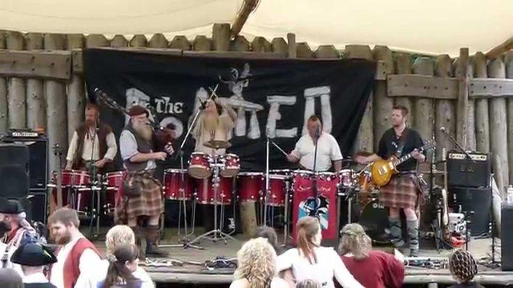 "Saor Patrol play ""Outlander"" at Duncarron"