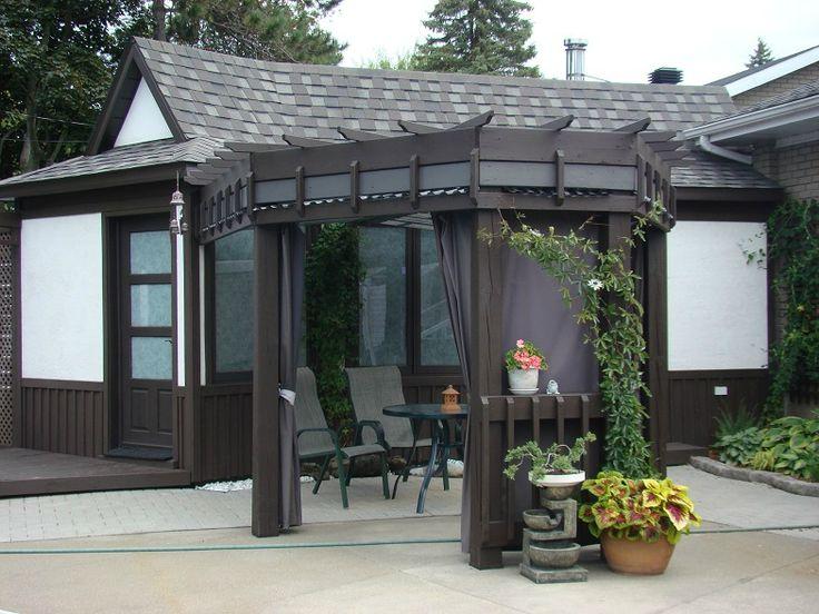pergola fait seule avec des trucs inusit s hihi des panneaux de polycarbonate recouvre le toit. Black Bedroom Furniture Sets. Home Design Ideas