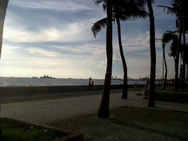 Sunsets at Manila Bay