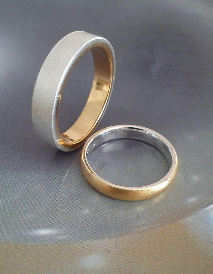 Die Fertigung von individuellen Trauringen aus Silber gehört in unserem Haus zu den Spezialitäten.