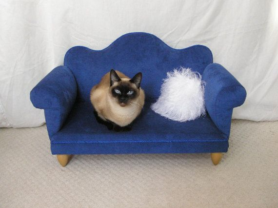 Bed for a cat or small dog. Beautiful and practical sofa is better than the traditional bench or pillow pets. It will fit perfectly into your interior decorating it. In addition a small sofa is so strong that even a child can sit on it! Sofa is easy to clean and can be washed.  Give your pet a real little sofa - hell be happy!  Sofa which you can see in the photo is ready to ship within 1-2 business days). Approximate shipping costs - $ 50-60, time of delivery - 10-14 days  Size 29,5 x 13,5…