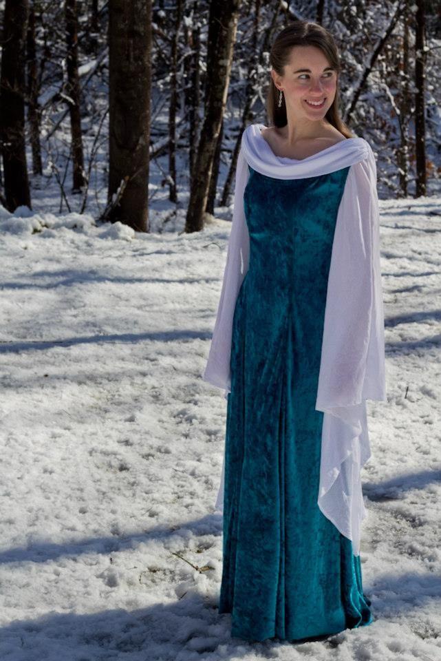 Medieval/elvish dress
