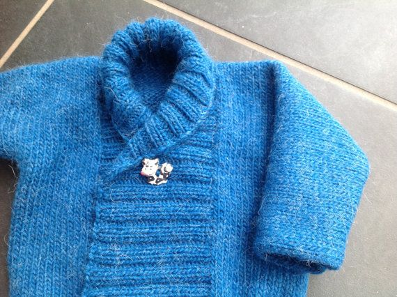 SALE: Hand knitted cardigan (lama and wool) size 6 to 9 months