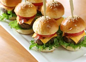 Mini-hambúrguer com tempero caseiro é opção saborosa para a sua festa! - Gastronomia - Bonde. O seu portal