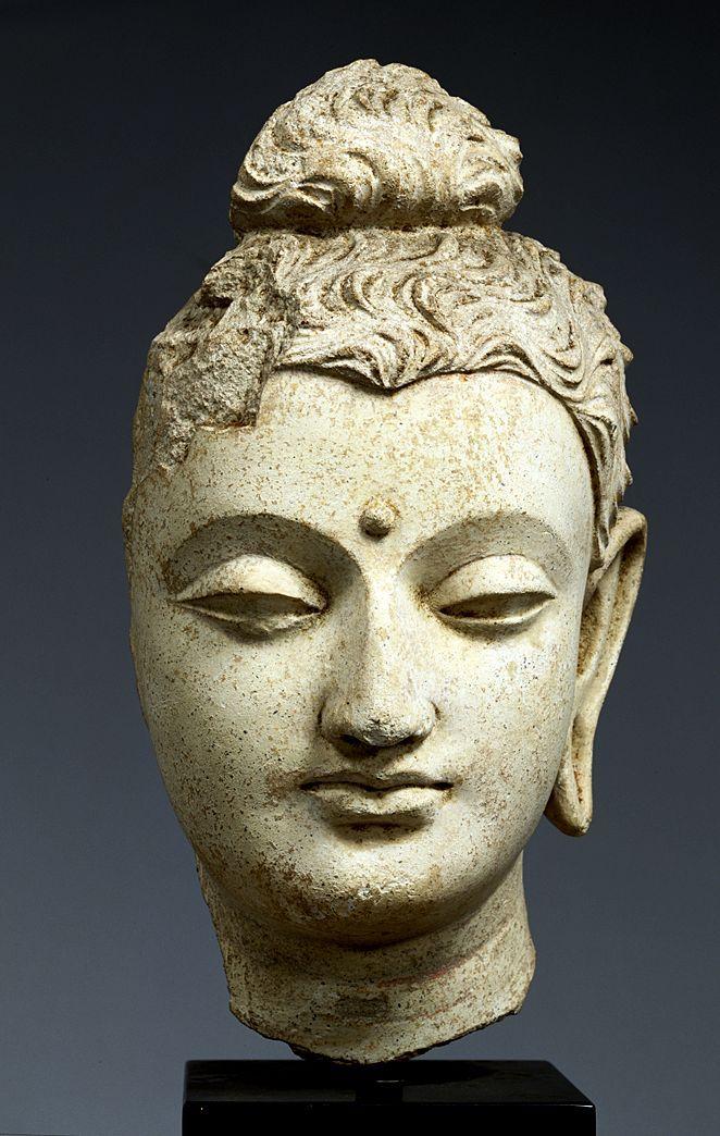 Head of Buddha. Stucco Hadda, Afghanistan. 3rd - 5th century