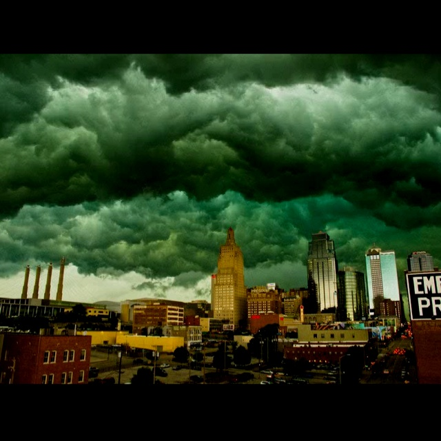 this is when that crazy tornado was in kansas city this year! so insane!