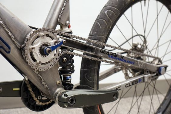 If you thought the prototype and team Cannondale mountain bikes from our HQ tour were wild, wait until you see these GT full suspension concepts. Above isa working concept bike developed by the product and engineering teams for an Interbike show. This early concept led to the iT-1 bike from 2006… This is a productionsample …